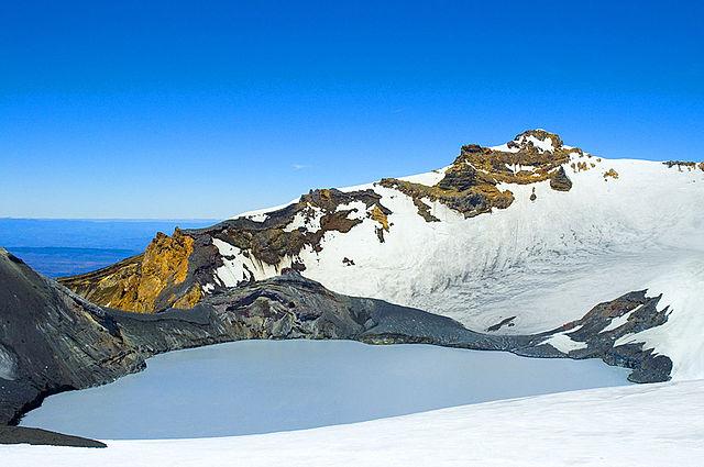 640px-Ruapehu_Crater_Lake_n