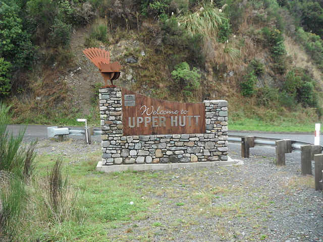 640px-Welcome_to_Upper_Hutt_sign_at_Te_Marua
