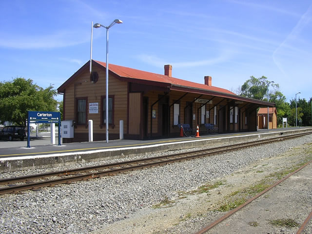 Carterton_Railway_Station_01