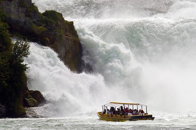 rhine-falls-1344623_640