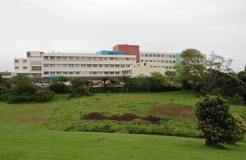 800px-Taranaki_Base_Hospital,_New_Plymouth