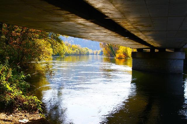 bridge-1502772_640