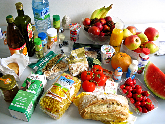 640px-tasty_food_abundance_in_healthy_europe