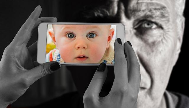 smartphone-1790833_640