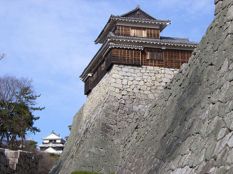 800px-matsuyama_castleiyo1