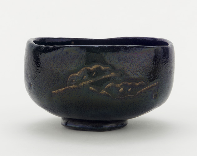 tea_bowl_with_designs_of_pine_boughs