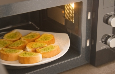 Microwave Garlic bread