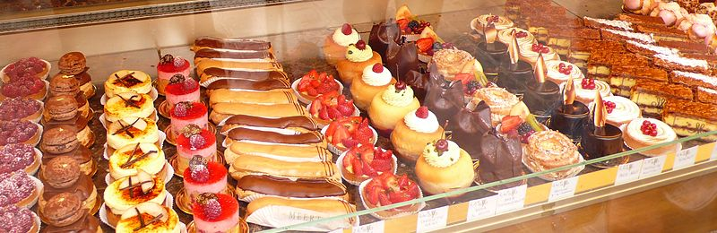800px-Pastry_assortment