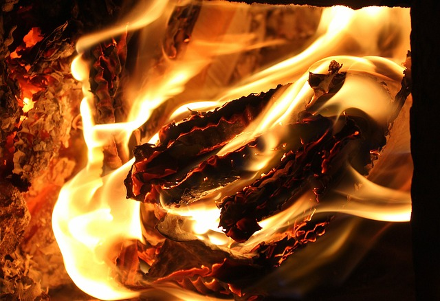 flames-3247910_640