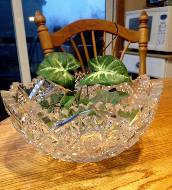 bowl-and-leaves