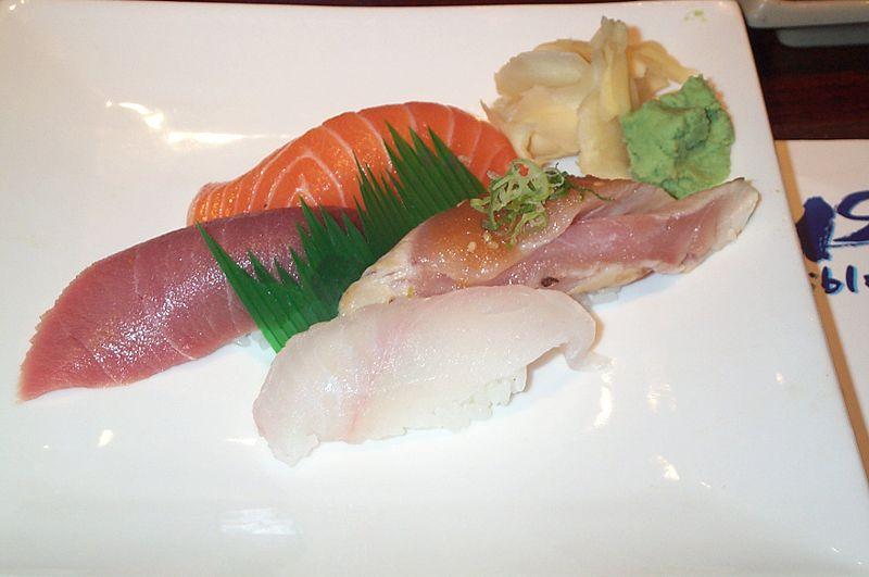 800px-Sushi_appetizer